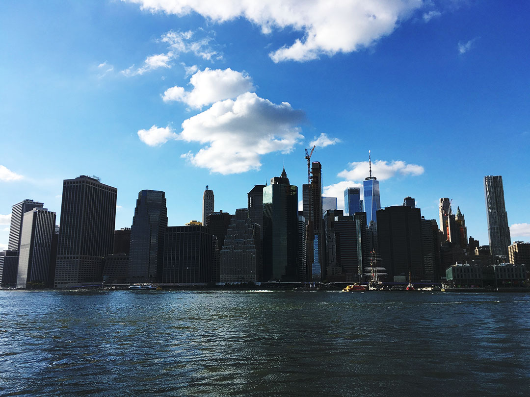 ブルックリンから見たマンハッタン島