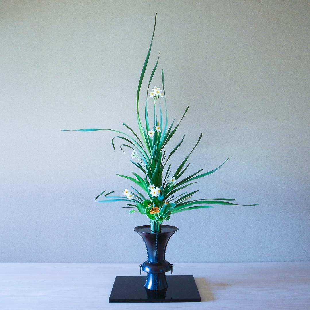 立花正風体 水仙、金盞花、著莪