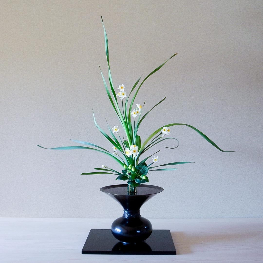 古典立花 水仙、ヒペリカム、著莪